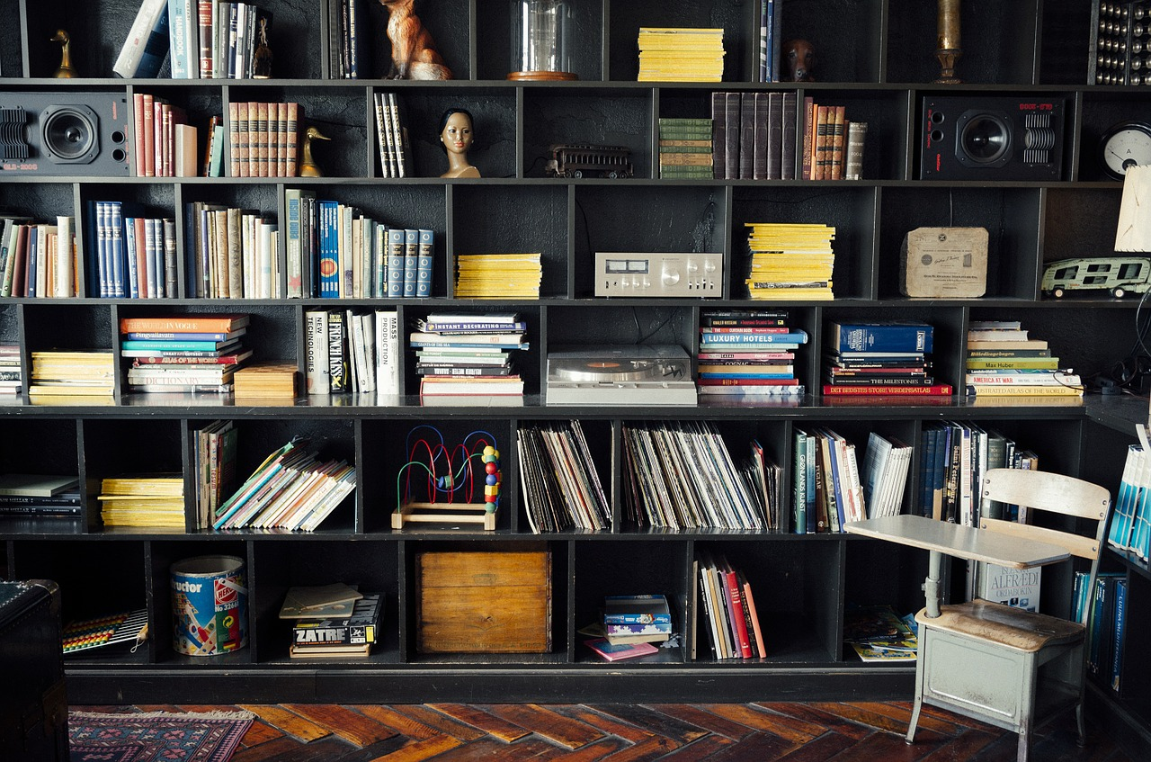 <p>When managing Airbnb, it's important to remember that old cliché: a little goes a long way. Most Airbnb hosts won't want to pay over the odds just to rent out their room, so how can you remain frugal but ensure a stay to remember? Here are our best ideas for hosting your holiday letting on a budget.</p>